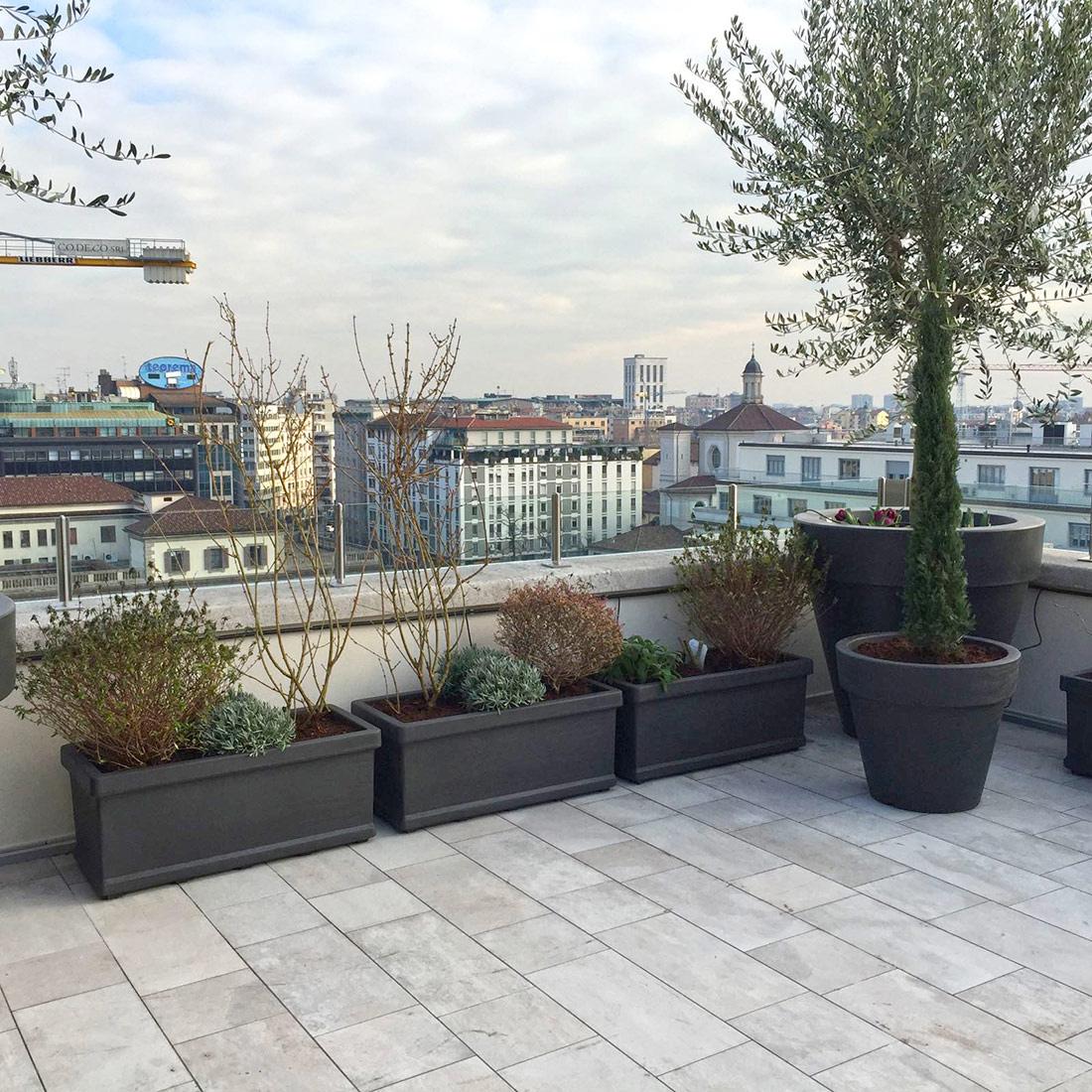 Milano progetto terrazzo fiorito primanatura giardini - Progettazione terrazzi milano ...
