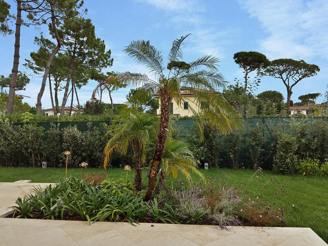 progettazione giardino privato al mare in Toscana