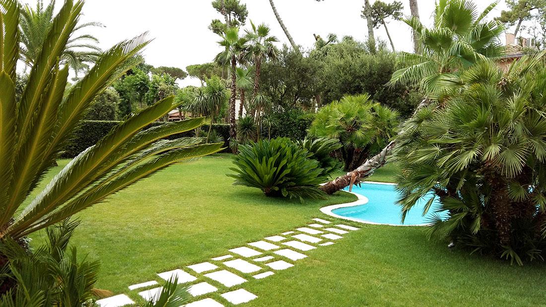 Realizzazione e manutenzione di giardino privato a forte dei marmi - Progetto giardino privato ...